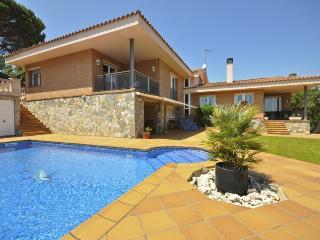 Villa Minaya - Santa Susana vacation rentals
