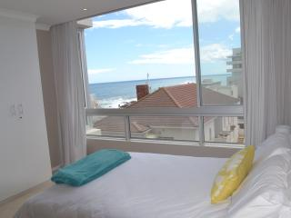 Sea front Self-Catering Apartment - Bantry Bay - Bantry Bay vacation rentals