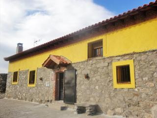 Perfect 2 bedroom House in Horcajo Medianero - Horcajo Medianero vacation rentals