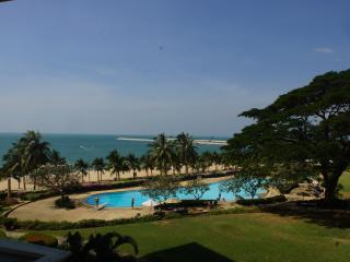Baan Somprasong Pattaya Jomtien Beach Condo - Jomtien Beach vacation rentals