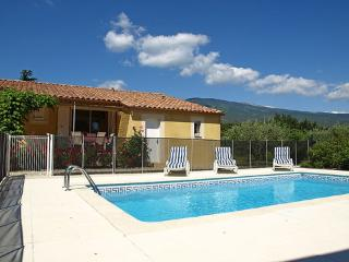 Outstanding Vacation Home with a Balcony, Divers, Bédoin - Bedoin vacation rentals
