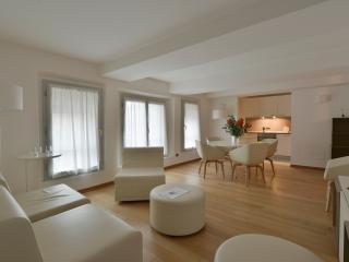 Asinelli - 3717 - Bologna - Emilia-Romagna vacation rentals