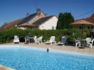 Nice 2 bedroom Gite in La Souterraine - La Souterraine vacation rentals