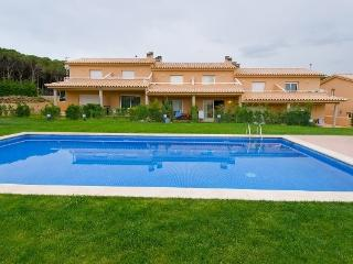 Lovely House in Quiet Zone near Forest - FRANCOLI - L'Escala vacation rentals