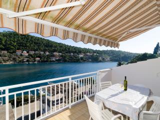 Apartments Kuzma- Two-Bedroom Apartment with Balcony and Sea View - Southern Dalmatia Islands vacation rentals