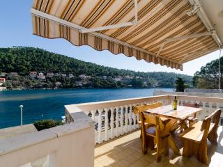 Apartments Kuzma - Four-Bedroom Apartment with Terrace and Sea View - Island Korcula vacation rentals