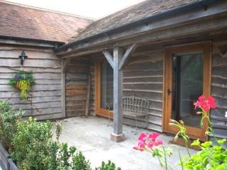 Bright 2 bedroom Sherborne Barn with Internet Access - Sherborne vacation rentals