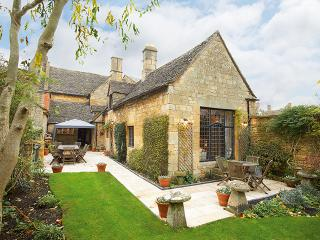 Rose & Crown House - Chipping Campden vacation rentals