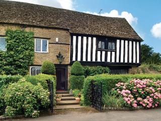 Tudor End - Flore vacation rentals