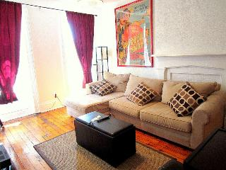 Xlarge sunny one bedroom on top location - New York City vacation rentals