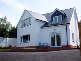 Comfortable House with Internet Access and Grill - Aberporth vacation rentals