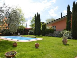 Villa in Tuscany near Lucca with pool and garden - Lammari vacation rentals