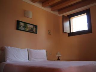 5 bedroom B&B with Garden in Monzambano - Monzambano vacation rentals