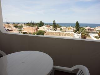Sea view apartment in Galé beach, Albufeira - Albufeira vacation rentals