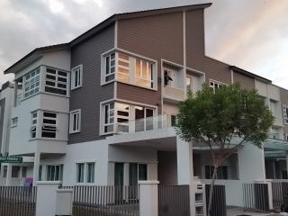 Villa 53 at 2 Permai - sleeps 17 - Tanjong Bungah, Pinang vacation rentals