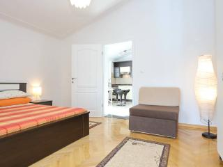nice & cozzy apartment near see no2, Karin - Gornji Karin vacation rentals