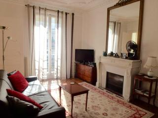 Left Bank Spacious One Bedroom - CENTRAL PARIS - Paris vacation rentals