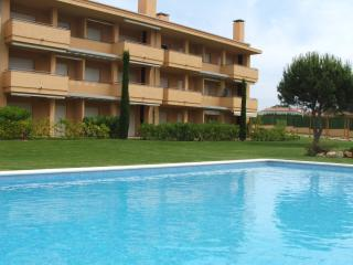 Beautiful Apartment Close to Beach - RIELLS BLAU - L'Escala vacation rentals