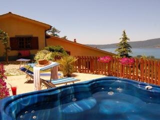 Wellness holiday in Villa with pool view Jacuzzi - Ronciglione vacation rentals
