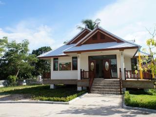 Squatina Blue Villa, Phangnga, Thailand - Phangnga vacation rentals