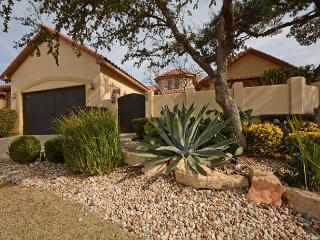 3BR/2.5BA Captivating House, Luxurious Amenities, Lakeway, Sleeps 8 - Buffalo Gap vacation rentals