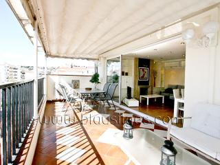 GERALDINE ATTIC Stylish apartment in Sitges - Catalonia vacation rentals