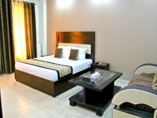 Olive Service Apartments - Greater Kailash 2 - Greater Noida vacation rentals