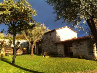 Casa dos Palheiros na Quinta do Rapozinho - Cabeceiras de Basto vacation rentals