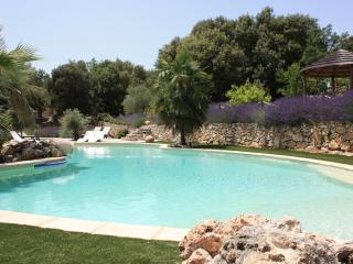Nice Gite with Internet Access and Outdoor Dining Area - Bras vacation rentals
