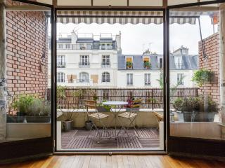 Peacefulness and serenity near Eiffel Tower - Paris vacation rentals