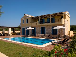 Villa Maria. Luxury villa with swimming pool. - Sivota vacation rentals