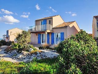 Stunning villa in coastal Saint-Pierre-la-Mer, Languedoc-Rousillon, with private pool & large garden - Gruissan vacation rentals