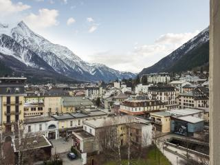 Chamonix flat with magnificent mountain views, near the slopes! - Sixt-Fer-a-Cheval vacation rentals
