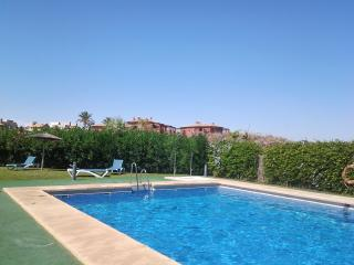 Idyllic apartment in Andalusian golf resort with swimming pool - Vera vacation rentals