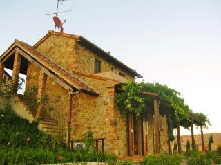 Rural retreat in Tuscany with terrace and 360-degree views of rolling hills - Saline di Volterra vacation rentals