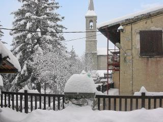 Charming house in the French Alps with mountain views - Alpes de Haute-Provence vacation rentals