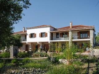 Peaceful apartment in the Peloponnese with terrace and garden - Peloponnese vacation rentals