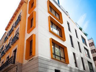 Gran Via Grilo - Madrid vacation rentals