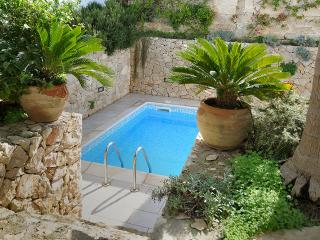 Beautiful flat in Southern Italy with stunning, shared pool - Nardo vacation rentals