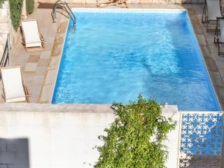 Bright, Mediterranean-style apartment in Apulia, Southern Italy, with sunny terrace & swimming pool - Nardo vacation rentals