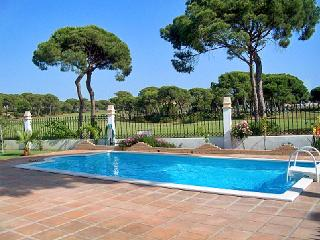 House near Huelva, on the Spanish Algarve Coast with pool and large garden - El Portil vacation rentals