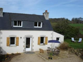 Immaculate and luminous cottage in Brittany with garden - Cotes-d'Armor vacation rentals