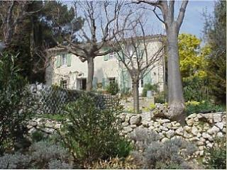 Farmhouse in Ventabren, Near. Aix en Provence - Ventabren vacation rentals
