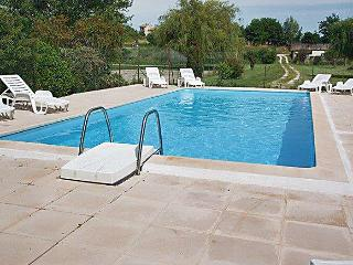 Large house in Vaux-sur-Mer with terrace and pool, near surfing hotspot of Royan - Le Verdon Sur Mer vacation rentals