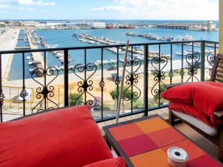 Stylish flat near the coast in Olhao, Eastern Algarve, with rooftop terrace and sea views - Olhao vacation rentals