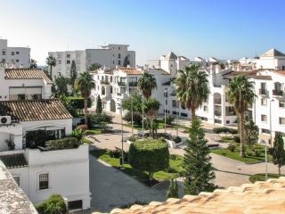 Lovely flat on the Costa Tropical in Andalusia with large terrace, sea views and shared pool – 250m - Province of Granada vacation rentals