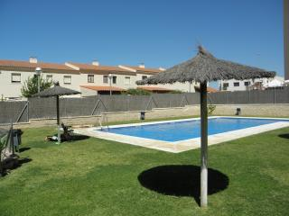 HOLIDAYS IN JEREZ FRONTERA- POOL,, PARKING  & WIFI - Jerez De La Frontera vacation rentals