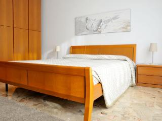 Grazioso appartamento in Sant'Anna - Sesto Calende vacation rentals