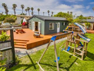 Perfect Cottage with Deck and Internet Access - Pacific Beach vacation rentals