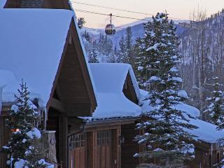 Luxury Ski in 2/2 in the heart of Breckenridge - Breckenridge vacation rentals